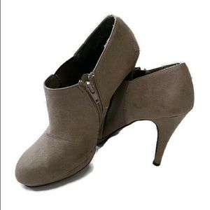 IMPO high heeled suede platform ankle boot SZ 7